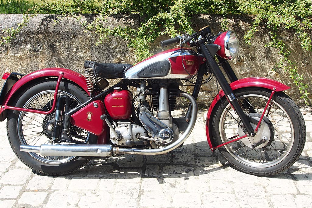 BAS-expo-motos-anglaises-historic-auto